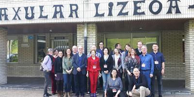 European Association of History Educators taldeko kideek Axular Lizeoa bisitatu dute