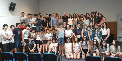 Los escritores Jordi Badía y Luisjo Gómez con nuestros alumnos