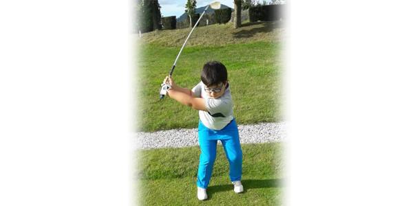 Amets Olasagasti en el torneo estatal de golf