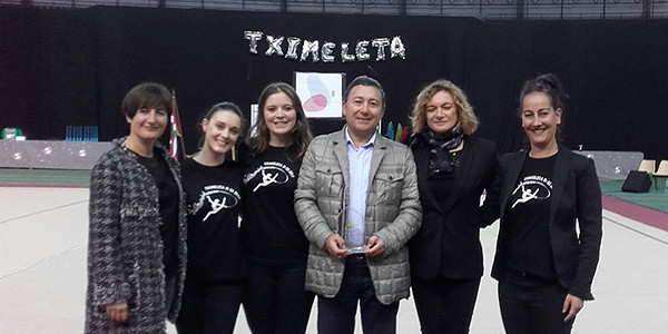 Tximeleta homenajea a Axular