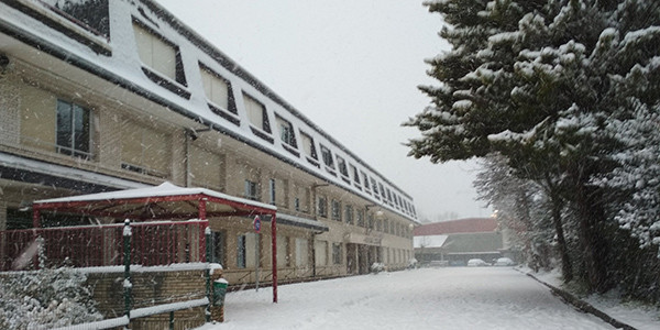 La ikastola cerrada por la nieve