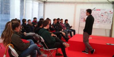 Conversando con emprendedores jóvenes