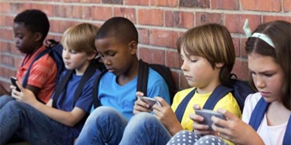 Segurtasun digitalaz hitzaldia Guraso Eskolan